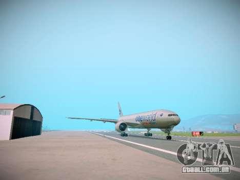 Boeing 777-223ER American Silver Bullet para GTA San Andreas traseira esquerda vista