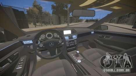 A Mercedes-Benz E63 AMG для GTA 4 para GTA 4 vista interior