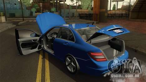 Mercedes-Benz C63 AMG Sedan 2012 para GTA San Andreas vista traseira