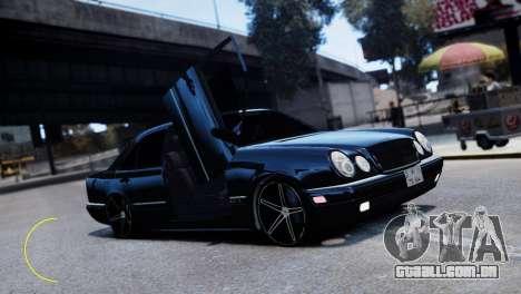 Mercedes-Benz E55 AMG para GTA 4 vista de volta