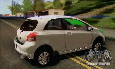 Toyota Yaris Shark Edition para GTA San Andreas esquerda vista