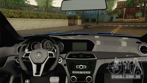 Mercedes-Benz C63 AMG Sedan 2012 para GTA San Andreas traseira esquerda vista
