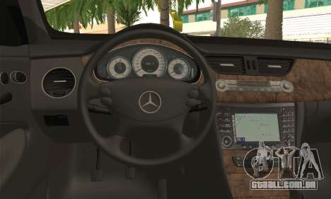 Mercedes-Benz CLS 500 para GTA San Andreas traseira esquerda vista