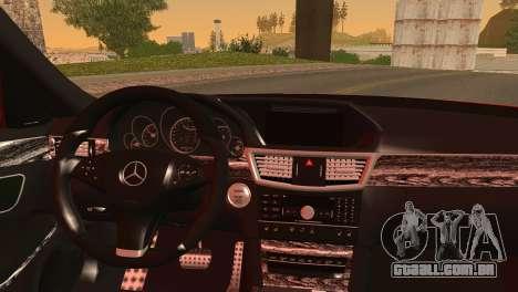 Mercedes-Benz E250 para GTA San Andreas traseira esquerda vista