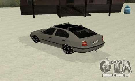 Skoda Octavia Winter Mode para GTA San Andreas traseira esquerda vista