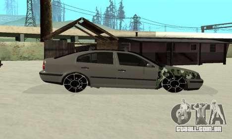 Skoda Octavia Winter Mode para GTA San Andreas vista interior
