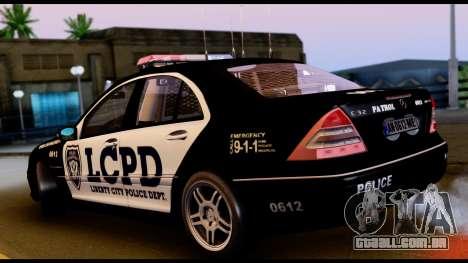 Mercedes-Benz C32 AMG Police para GTA San Andreas vista direita