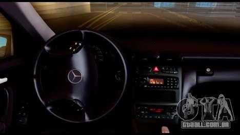 Mercedes-Benz C32 AMG Police para GTA San Andreas vista traseira