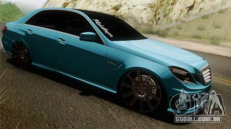 Mercedes-Benz E63 AMG 2010 Vossen wheels para GTA San Andreas vista interior