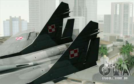 MIG-29 Polish Air Force para GTA San Andreas traseira esquerda vista