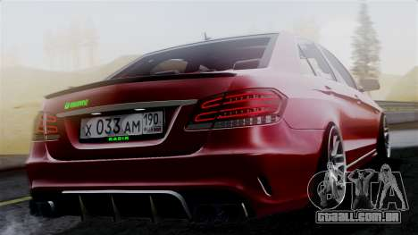 Mercedes-Benz W212 E63 AMG para GTA San Andreas esquerda vista