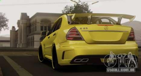 Mercedes-Benz E63 Qart Tuning para GTA San Andreas vista traseira