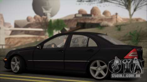 Mercedes-Benz C32 W203 2004 para GTA San Andreas vista traseira