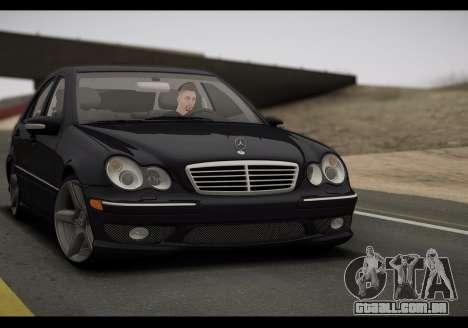 Mercedes-Benz C32 W203 2004 para GTA San Andreas esquerda vista