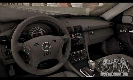 Mercedes-Benz C32 W203 2004 para GTA San Andreas vista inferior