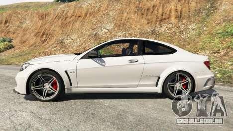 GTA 5 Mercedes-Benz C63 AMG 2012 vista lateral esquerda