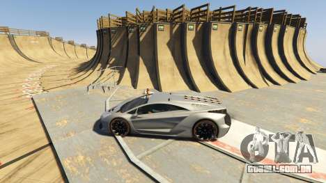 GTA 5 Maze Bank Mega Spiral Ramp segundo screenshot