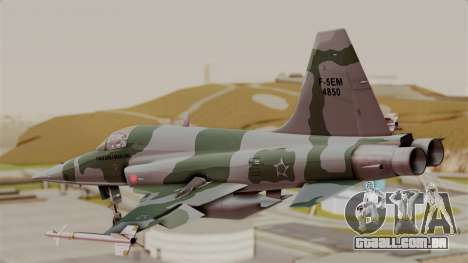 Northrop F-5E Tiger II Texture FAB para GTA San Andreas esquerda vista