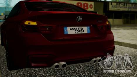 BMW M4 Coupe 2015 Walnut Wood para GTA San Andreas vista inferior