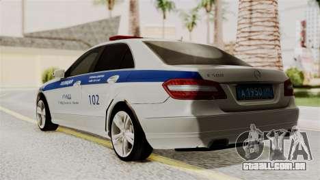 A Mercedes-Benz E500 Ministério da administração para GTA San Andreas esquerda vista