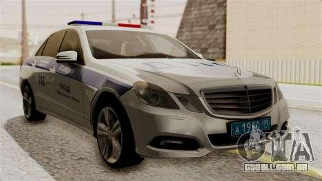 A Mercedes-Benz E500 Ministério da administração para GTA San Andreas