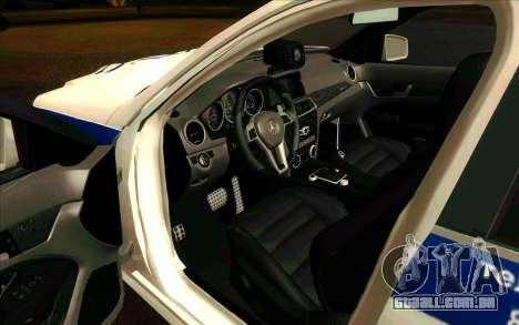 Mercedes-Benz C63 AMG ДПС para GTA San Andreas esquerda vista