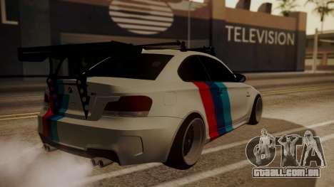 BMW 1M E82 with Sunroof para vista lateral GTA San Andreas