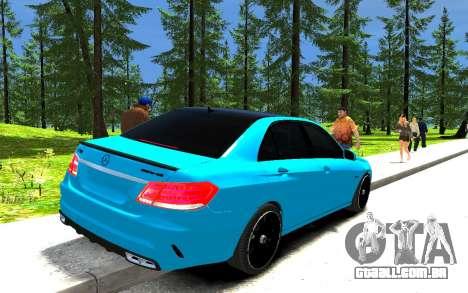 Mercedes-Benz E63 W212 AMG para GTA 4 traseira esquerda vista