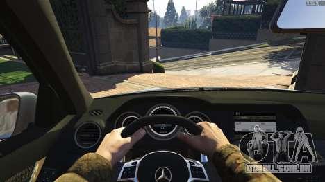 GTA 5 Mercedes-Benz C63 AMG v2 traseira direita vista lateral
