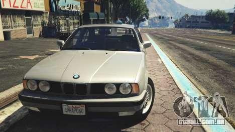 GTA 5 BMW 535i E34 traseira direita vista lateral