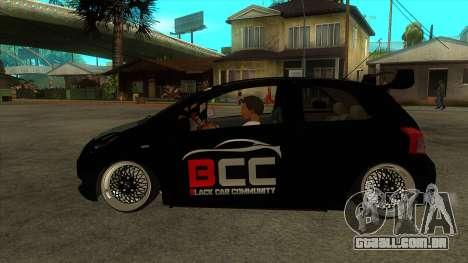 Toyota Yaris (Vitz) [Black Car Community] para GTA San Andreas esquerda vista