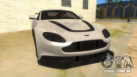 2015 Aston Martin Vantage GT12 para GTA San Andreas vista traseira