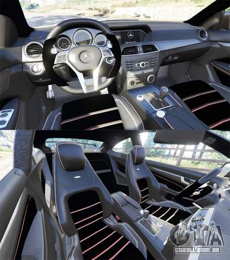 GTA 5 Mercedes-Benz C63 Coupe traseira direita vista lateral