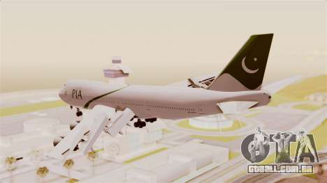 Boeing 747-200 Pakistan International para GTA San Andreas vista direita