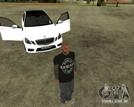 Mercedes-Benz E250 Armenian para GTA San Andreas vista inferior