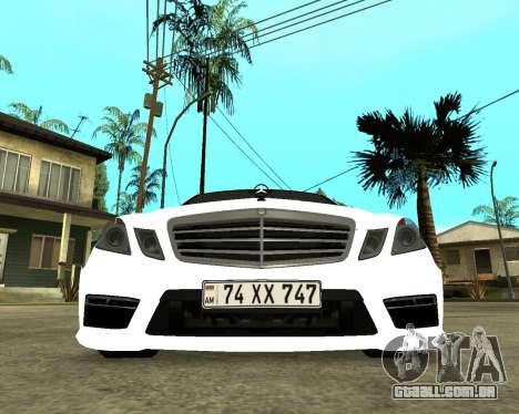 Mercedes-Benz E250 Armenian para GTA San Andreas esquerda vista