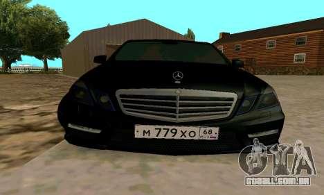 Mercedes-Benz E63 para GTA San Andreas vista traseira