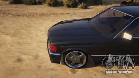 GTA 5 Mercedez-Benz 560 SEC vista lateral direita