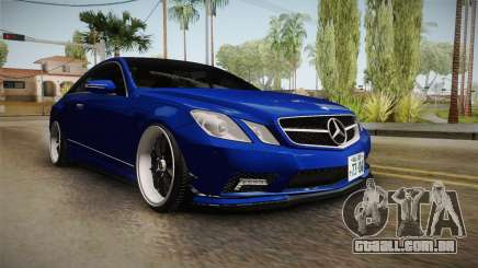 Mercedes-Benz W207 E500 Jap Style para GTA San Andreas