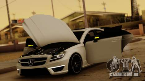 Mercedes-Benz CLS 63 para GTA San Andreas vista interior