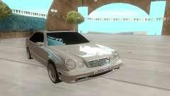 Mercedes-Benz E55 W210