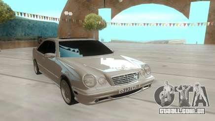 A Mercedes-Benz E55 W210 белый para GTA San Andreas