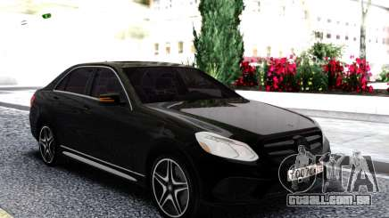 Mercedes-Benz W212 Black Sedan para GTA San Andreas