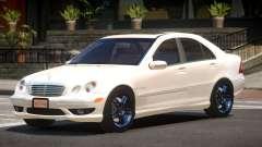 Mercedes Benz C32 Edit para GTA 4