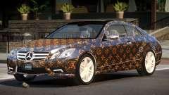 Mercedes Benz E500 LT PJ2 para GTA 4